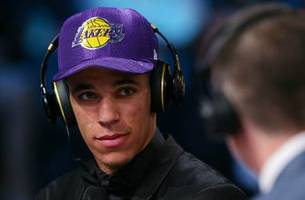 Despite landing Lonzo Ball, Lakers not favored to make the playoffs in Vegas