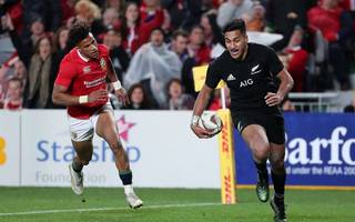 "gatland slams new zealand for lack of ""champagne rugby"""