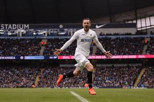 the latest on everton's move for gylfi sigurdsson as swansea city stick to stance over star man