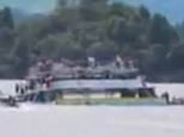 Colombia tourist boat sinks with 150 on board