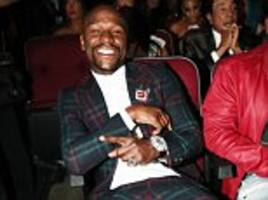 Floyd Mayweather dons flamboyant suit for 2017 BET Awards