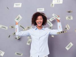 hubspot is going to give one lucky person $100,000 to start his or her dream business