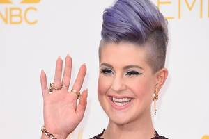 Kelly Osbourne Slams Starbucks After She Pees Herself: 'I Have P–s in My Shoe'