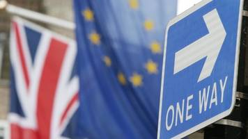 Theresa May sets out post-Brexit offer on EU citizens
