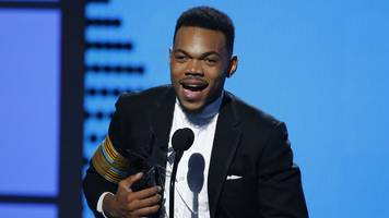 chance the rapper wins bet humanitarian award, presented by michelle obama