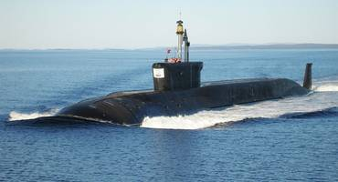 russian submarine test-fires icbm