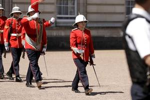 canadian is first female infantry officer to command the queen's guard:megan couto lead the second battalion, princess patricia's canadian light infantry in the changing of the guard ceremony
