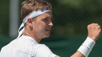 wimbledon 2017: marcus willis beat andrej martin in first round of qualifying