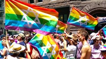 chicago gay pride parade expels star of david flags