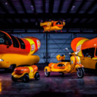 oscar mayer gets better hot dogs in hands across america by adding two new vehicles to its wienerfleet
