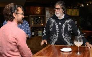 viral! thugs of hindostan actors big b & aamir caught in a candid conversation