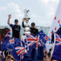 English: Government will discuss giving financial support to Team NZ, America's Cup