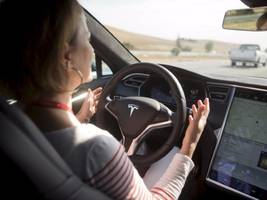 morgan stanley: tesla's music streaming could create a 'living room on wheels' (tsla)