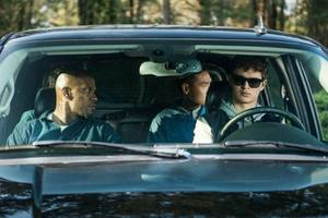 'baby driver' review: edgar wright floors it before driving off a cliff
