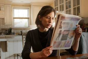 'The Keeping Hours' Review: Carrie Coon and Lee Pace Grieve, Repetitively