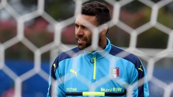 salvatore sirigu: torino sign italy international from paris st-germain
