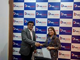 rbl bank signs mou with manipal global education services for a strategic learning management partnership