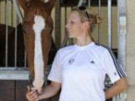 zara tindall's world champion horse, toytown dies at 24