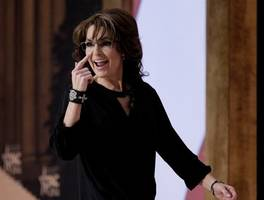 sarah palin hired gawker-slayer lawyers to sue new york times