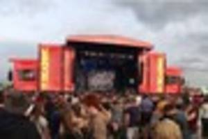 how to get free entry to reading, latitude, port eliot festival...