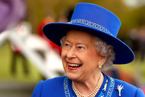 queen elizabeth to get a raise; much of the money to be used for buckingham palace renovation