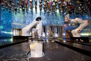 america's first robot bar opens in vegas: perfect pours every time