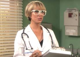 kristen wiig joins jimmy fallon in funny doctor skit of new mad lib theater