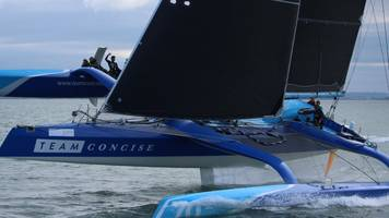 Round the Island Race record beaten by one minute