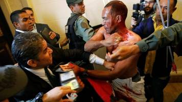 venezuela national assembly stormed by maduro supporters