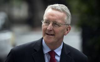 hillary benn seeks to spearhead parliamentary scrutiny of brexit