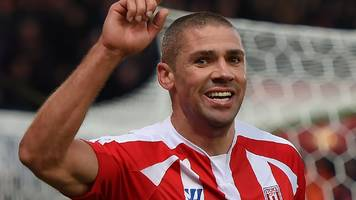 jon walters: burnley agree £3m deal to sign striker from stoke