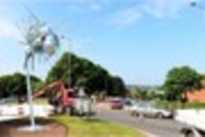 video: buzzing! 12ft bumble bee unveiled on newcastle roundabout