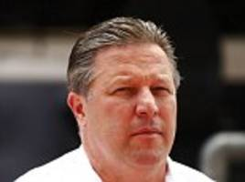 mclaren boss zak brown urges f1 owners to buy silverstone