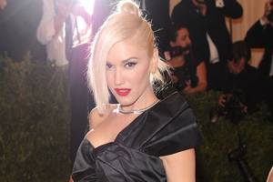 gwen stefani sued by fan who says her leg was broken during concert 'stampede'