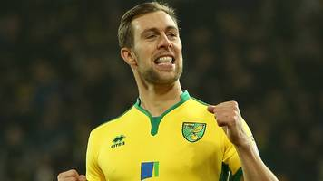 hibs 'close' to steven whittaker signing after norwich city exit, says neil lennon