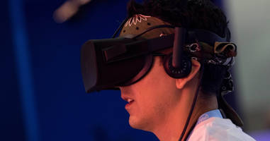 facebook slashes oculus price for second time as world refuses to adopt virtual reality