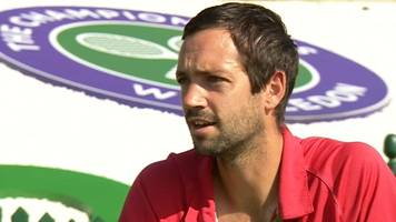 welsh coach mathew james helps out wimbledon stars