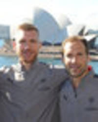 arsenal stars take in the sights of sydney opera house and sydney harbour bridge