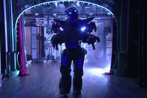 your chance to get moving with dancing robot who has shimmied with the stars...including rihanna