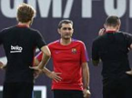ernesto valverde takes first barcelona training session