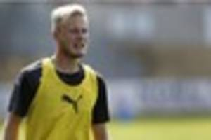 former crystal palace defender makes switch to leyton orient