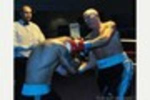 Steve Ward to fulfil late father's prediction of boxing for a...