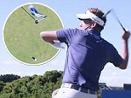 what happened when world's top golfers played left-handed?