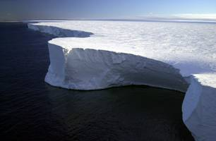 a surprisingly subtle force may have broken off one of the largest icebergs ever recorded