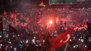 turkey coup anniversary: erodgan addresses istanbul crowd