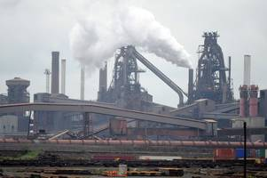bosses who were employed by tata steel in scunthorpe are asked to give back bonuses