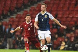 hibs confirm steven whittaker signing as scotland international seals return to easter road