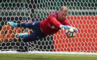 joe hart set for west ham medical as spurs offload winger