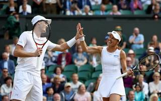 murray and hingis triumph in wimbledon mixed doubles