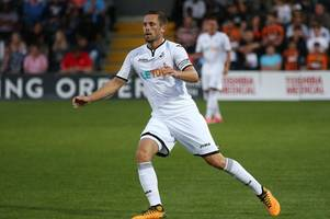 Former Wales star John Hartson says Swansea City can't sell Everton target Gylfi Sigurdsson at any price